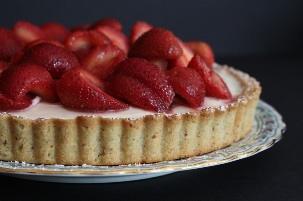 Mascarpone Cheesecake Tart with Rosemary-Kissed Strawberries on butter me up, Brooklyn!2