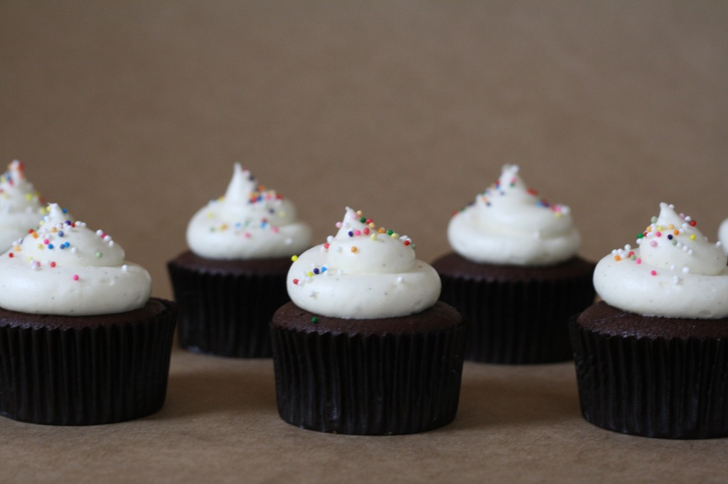 red wine cupcakes via butter me up, Brooklyn!7