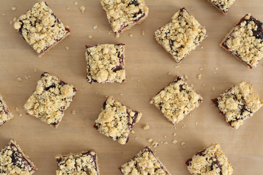 mulled-red-wine-crumble-squares-1024x682